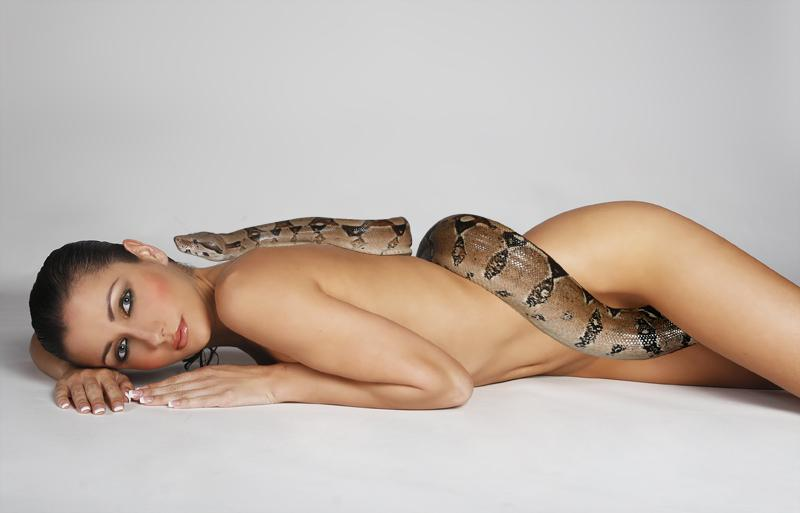 Picter of naked woman with snake